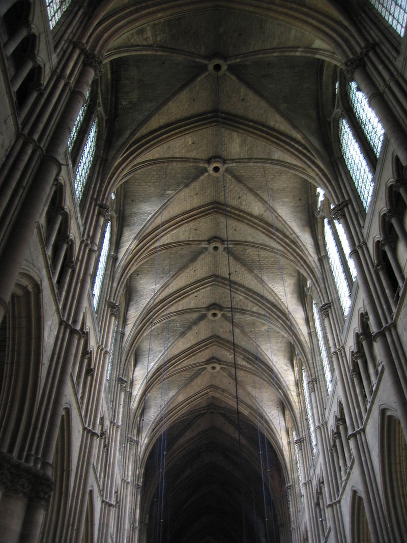 800px-Reims_Cathedral,_interior_(4)